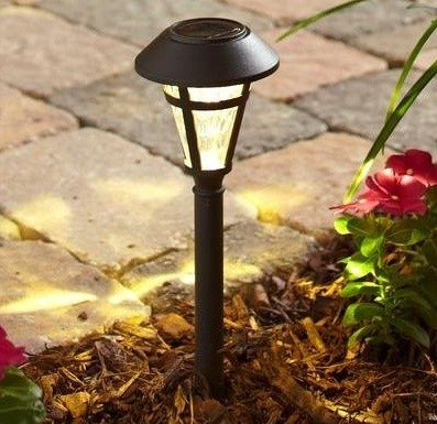 Lampara solar led para jardin 6 bronce con for Lampara solar led