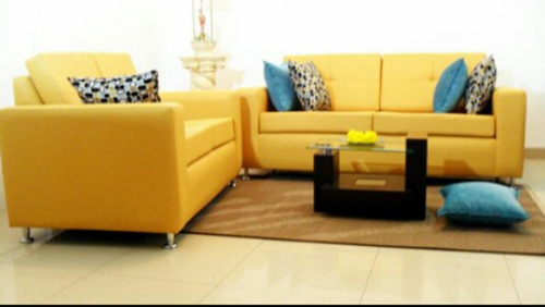 Sofas modernos tapizados en bipiel somos fabricantes bs f for Precios de sofas modernos