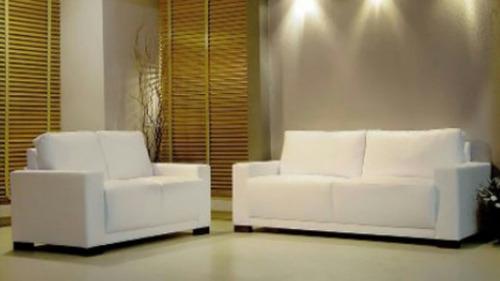 Sofas modernos tapizados en bipiel somos fabricantes bs f for Tapizados sofas precios