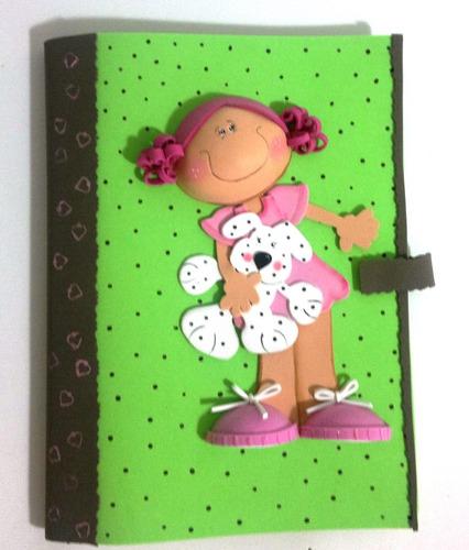 Muñeca en foami para carpeta - Imagui