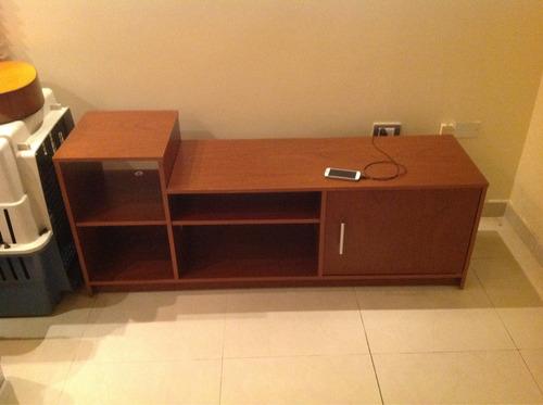 Mueble Para Televisor Y Accesorios.