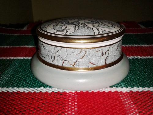 Cofre de porcelana italiana trussardi bs woppo for Porcelana italiana