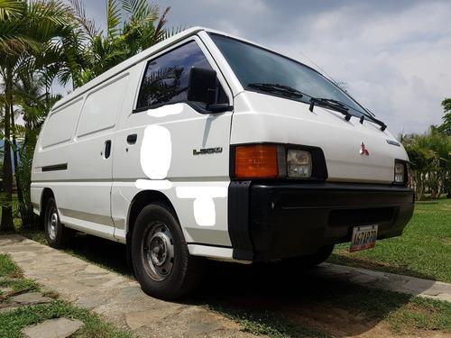 Mitsubishi L-300 Pl 0.9t A/c