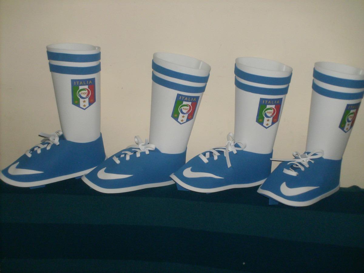 Cotillones Estilo Zapato De Futbol - BsF 90,00 en MercadoLibre