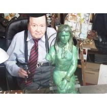 Invierta,escultura Virgilio Trompiz Dama Con Sombrilla