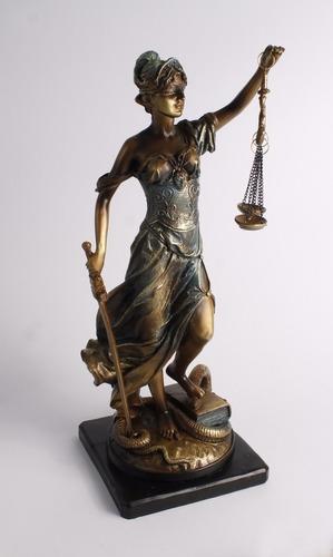 Defensa, Acusación, Penal. Servicios De Abogados