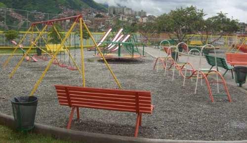 Fabricacion Y Mantenimiento Parques Infatiles De Metal