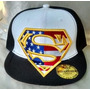 Gorra Superman Plana Ajustable De Broche Negra / Blanco.