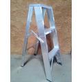 Escalera De Aluminio Tipo Tijera De 3 Tramos