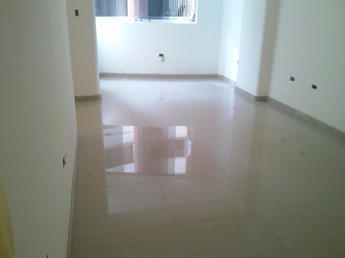 Instalaci n de porcelanato y ceramica libertador palo for Ver ceramicas para pisos