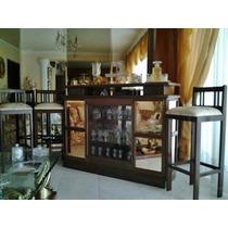 Bar En Caoba Con Tres Sillas