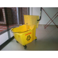 Exprimidor Industrial Rubbermaid Usa
