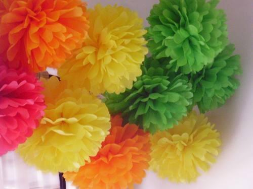 Pompones de papel seda imagui - Pompones con papel de seda ...