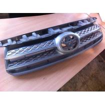 Parrilla Toyota Fortuner Original 09/11