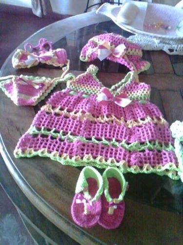 Pin trajes bebe tejidos and post mycelular genuardis for Trajes de bano tejidos